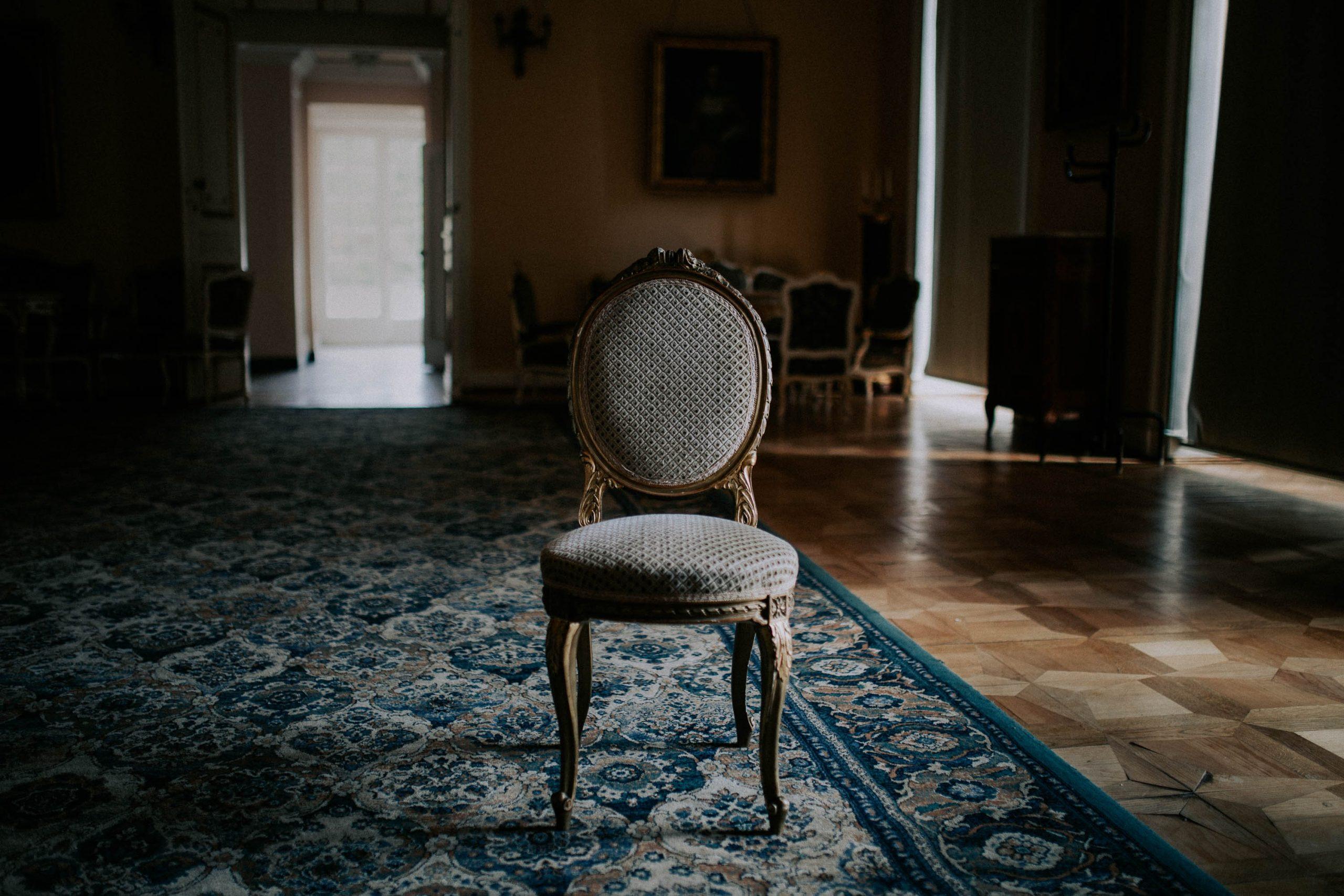 La chaise Louis XVI Médaillon : un bon choix